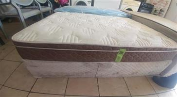 Second hand queen bed for sale