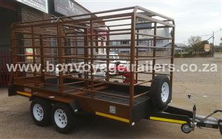 CATTLE TRAILER WITH DOUBLE AXLE SYSTEM FOR SALE