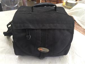 Lowepro EX 180 Digital SLR Camera Bag in Stylish Black finish