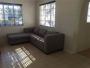Hyde Park  - Lovely 2 bedrooms 2 bathrooms flat available R12000