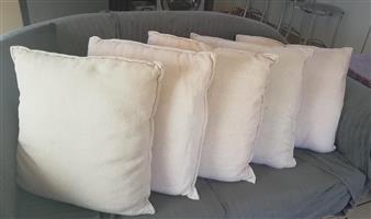 Throws and scatter cushions