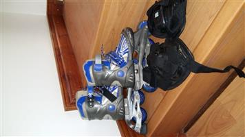 Roller blades with knee guards / toddler