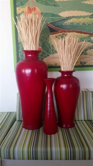 Red 3 piece vases set