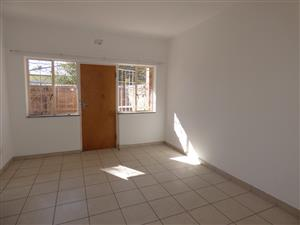 NEWLY RENOVATED AND PAINTED BEAUTIFUL 1 AND 1/2 BEDROOM APARTMENT IN ROSETTENVILLE