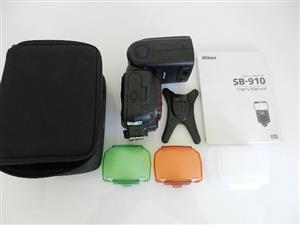 Nikon Speed light SB-910 Like New