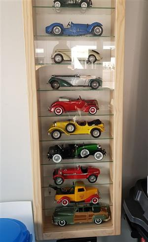 Models, cars, trains etc. Display Cabinets, Led /Lights and Glass shelves, Dust Proof !