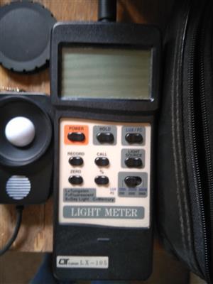 Lutron LX-105 Light Meter