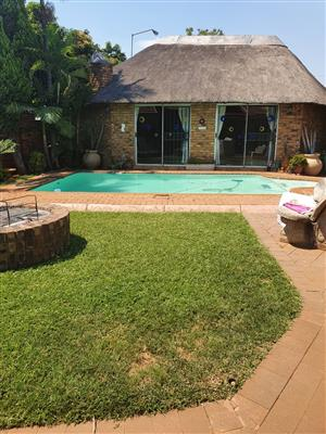 BIG AND SPACIOUS FAMILY HOME FOR SALE IN DORANDIA