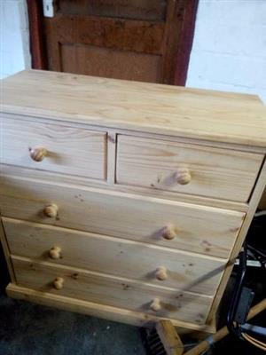 Pine wood chest drawer for sale call 0835367295
