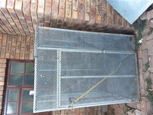 Steel mesh cage