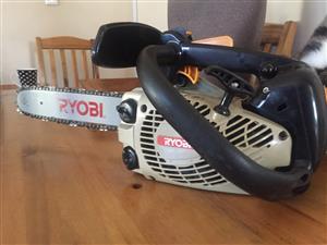 Ryobi Chainsaw Petrol 2stroke – Excellent condition