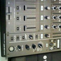 COMBO SALES 2 PIONEER CDJ 900 AND MIXER