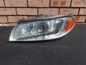 Volvo V70 Xc70 Left side Headlight