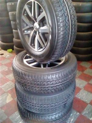 Rim and tyre with caps for toyota fortuna and hilux