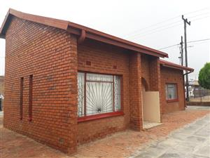 2 BEDROOMS HOUSE WITH 2 BACK YARD ROOMS FOR SALE R480 000.00 MABOPANE E CALL SOPHY FOR MORE INFO @ 0760813571