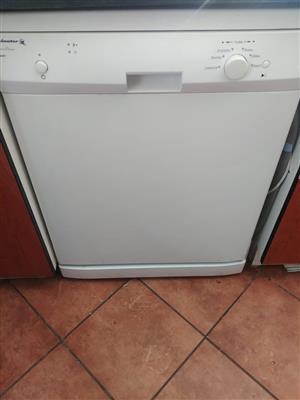 Dish washing machine