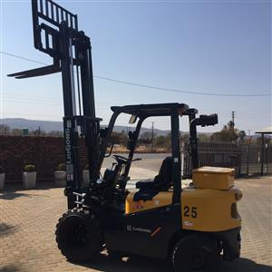 Brand new Lui Gong 2 5 ton diesel Semi-Rough Forklift for