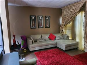 2 bedroom townhouse for sale in Hatfield Pretoria