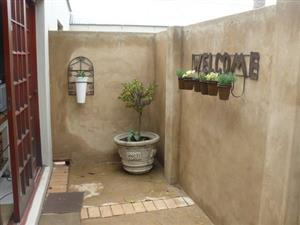 bachelor garden flat, partly furnished,  to rent