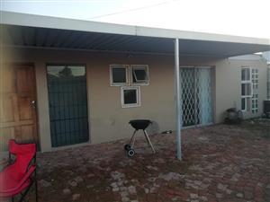 .2x2 Bedroom House Malibu Vlillage