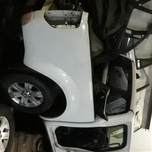 Stripping Nissan Navara 2008 V6