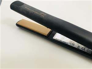 GHD flat iron hair straightener