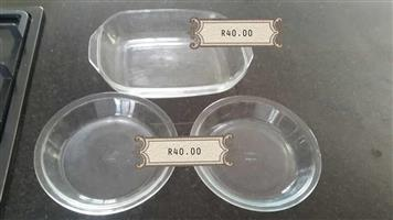 3 Piece glass dishes set