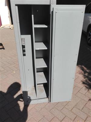 4 Rifle Safe with shelves