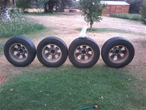 Original Fortuner rims and tyres