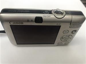 Canon IXUS 100 IS Digital camera