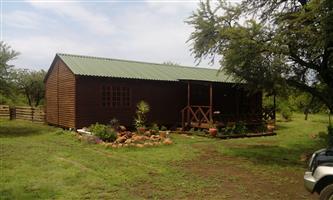 3 bedroom, 2 bathroom on plot in Mooiplaats