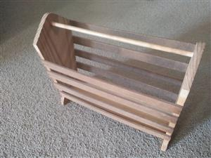 Magazine rack in good condition
