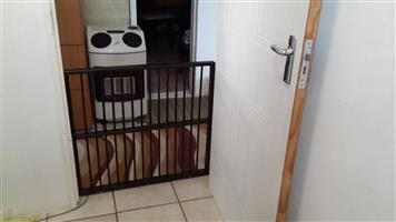 Wooden Gate Double Dowels (64cm high) – Needs to be drilled into the wall