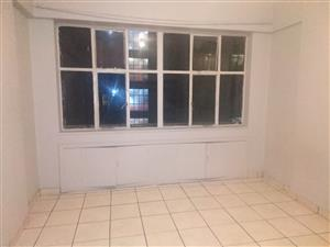 Spacious 2 Bed to let - Hillbrow JhB