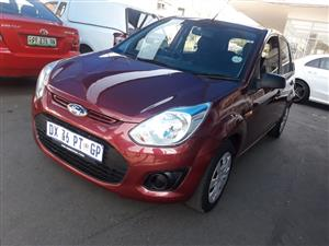 2015 Ford Figo hatch 1.5 Ambiente