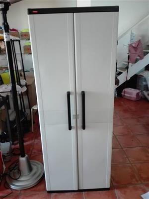 2 Door white closet