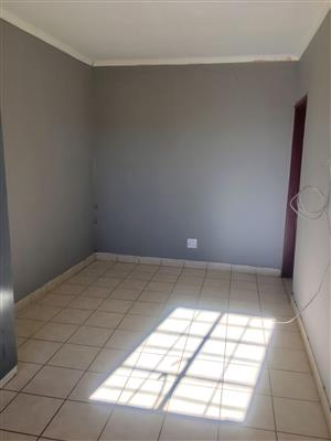 1 BEDROOM FLAT TO RENT IN PRETORIA EAST!!