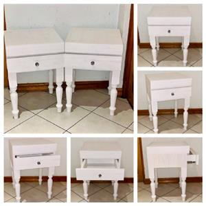 Night stand Farmhouse series 450 with turned legs - White wash