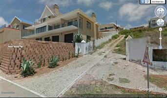 ON AUCTION : VACANT LAND MOSSELBAY SEA AND MOUNTAIN VIEWS MUST BE SOLD!