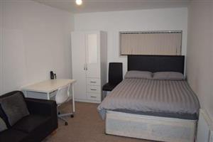 Furnished student rooms in rondebosch from june