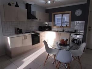 Parow-West, Churchill Estate, in 5Ave: Stunning 2Bed Duplex, Own Court Yard,2Toilets/Secure Parking