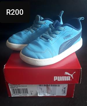 Puma Sneakers/Shoes