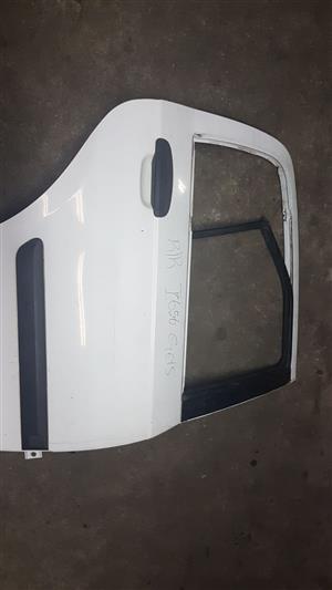 Hyundai Getz 2004 white RR door for sale.