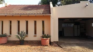 House for sale in Karenpark