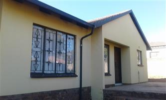 3 bedroom house for sale in mabopane Morula view