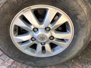 WANTED Toyota Landcruiser VX V8 Rim Wheel