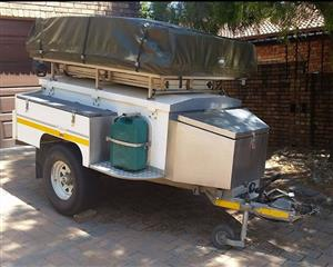 Brakhah Trailer 4x4 with fitted large rooftop tent, kitchen