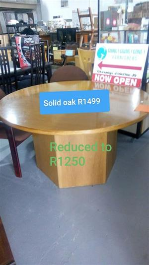 Solid oak round table for sale