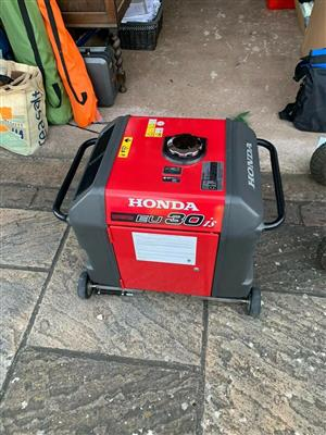 Portable Honda EU30 Professional Petrol Powered Inverter Generator