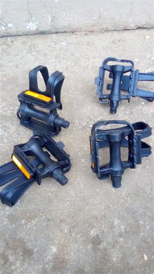 Bicycle pedals for sale